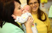 В Израиле выходили младенца весом всего 670 грамм