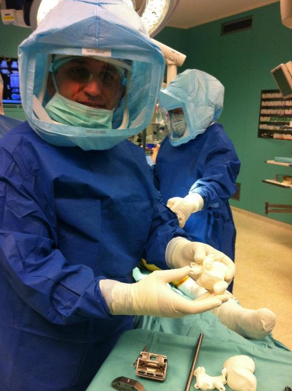 Доктор Бендер в операционной