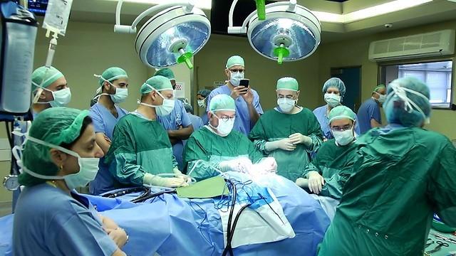 Операция в Израиле по возвращению слуха ребенку