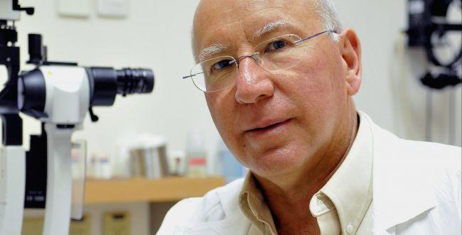 Профессор Яков Пеэр в Хадассе - офтальмолог в Израиле
