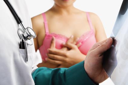 Пациентка с раком груди и врач